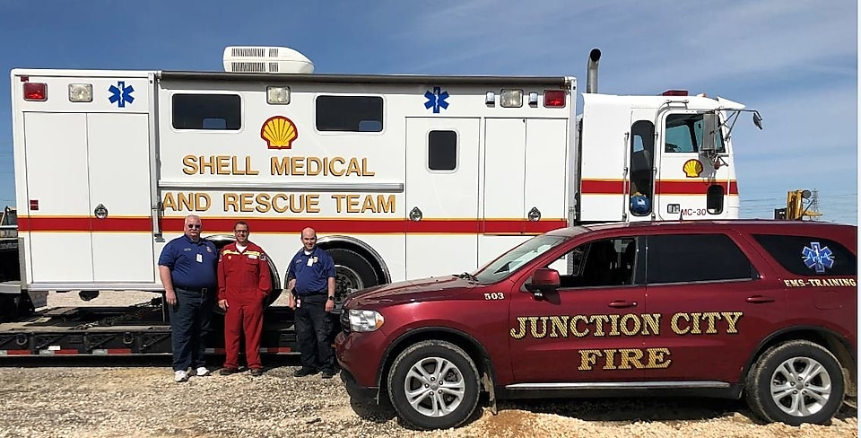 Shell medical and rescue team vehicle